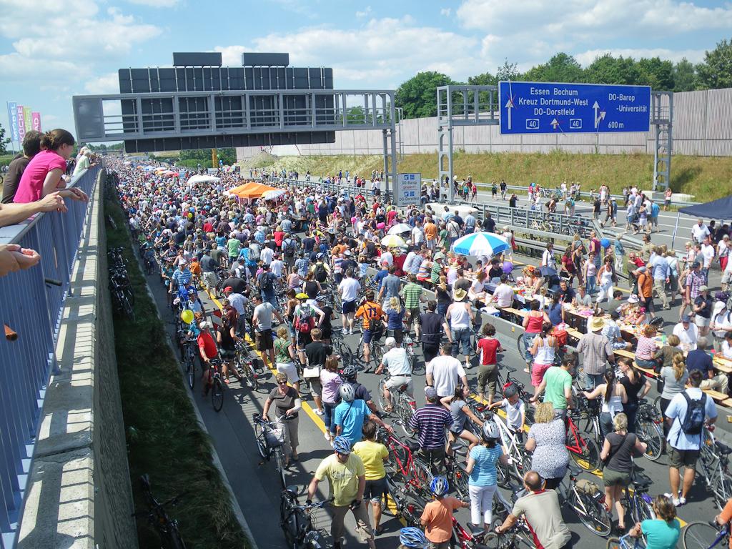 A40/B1 an der Schnettkerbrüche in Dortmund