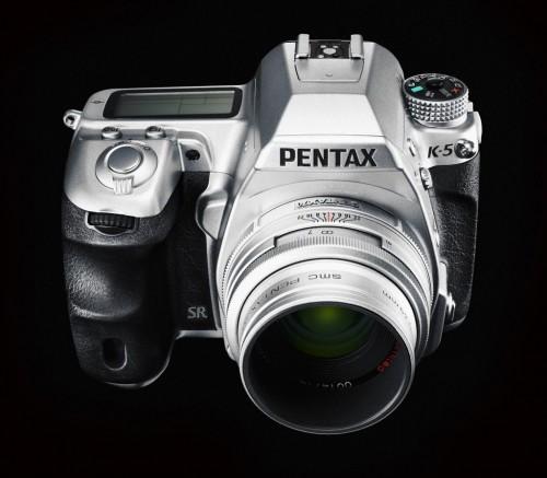Pentax K-5 Silver (Quelle: Pentax)