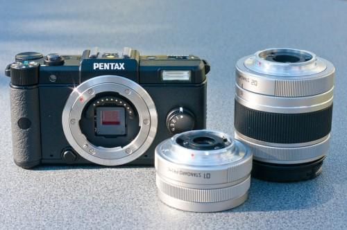 PENTAX Q-Set mit Standard- und Zoom-Objektiv